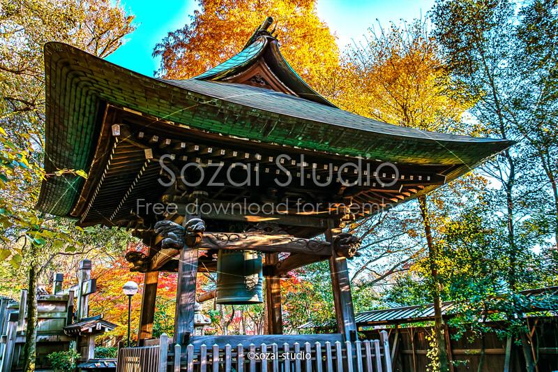 ブログ記事無料アイキャッチ画像:お寺の紅葉 鐘つき堂4素材|素材スタジオ